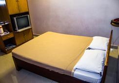 Hotel Akshaya - Visakhapatnam - Bedroom