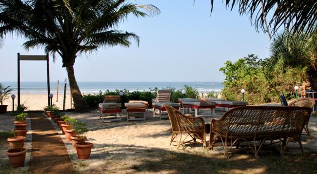 Mamagoa Resort - Mandrem - Beach