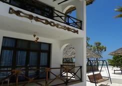 African Sun Sea Beach Resort & Spa - Zanzibar - Building