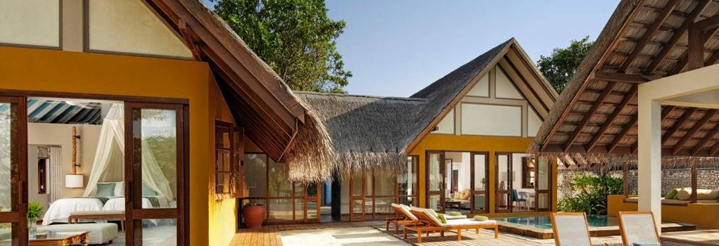 Four Seasons Resort Maldives at Landaa Giraavaru - Landaagiraavaru - Building
