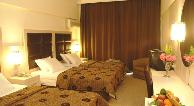 Oscar Resort North Cyprus - Kyrenia - Bedroom