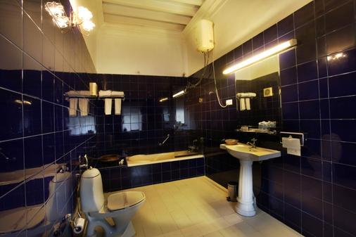 Jayamahal Palace Hotel - Bengaluru - Bathroom