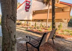 Red Roof Inn Tallahassee - University - Tallahassee - Outdoor view