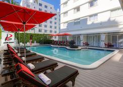 Red South Beach Hotel - Miami Beach - Pool