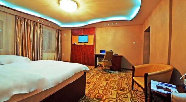 Kaiser Hotel - Ulan Bator - Bedroom